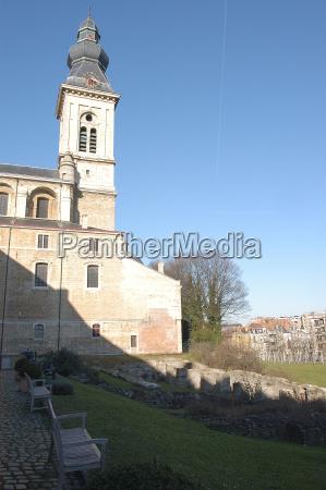 cupula turismo mosteiro telhados campanario estilo