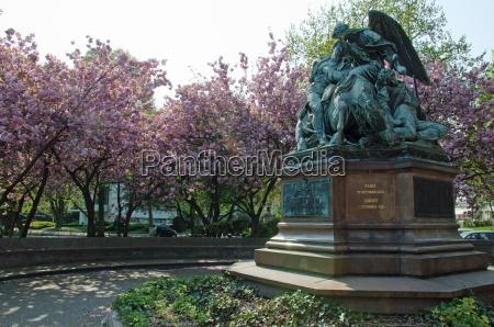monumento arvore parque estatua flor hamburgo