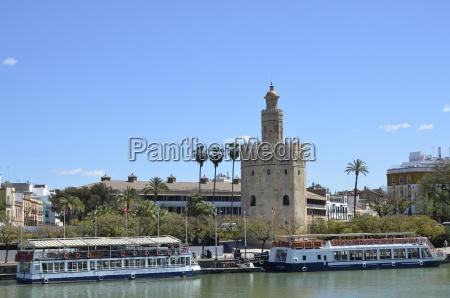 torre del oro guadalquivir passagieschiffe