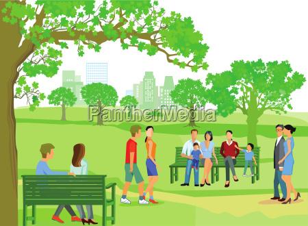 la gente camina en el parque