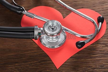 medico salud de seguros ninyo corazon