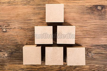 madera piramide forma organizar caja pecho